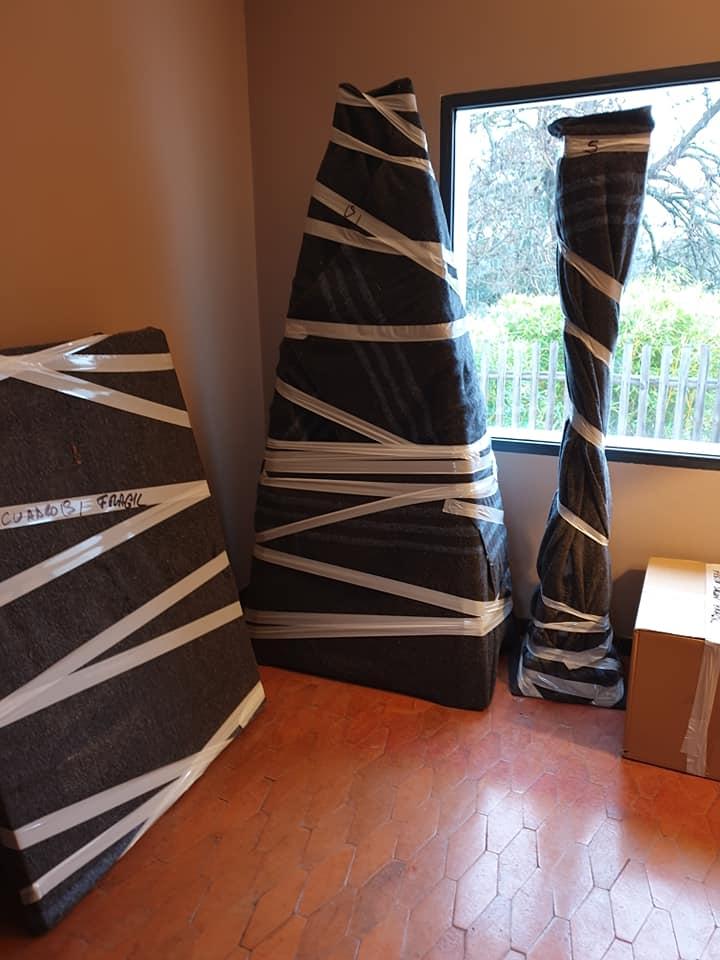 Embalaje estateria con forma triangular de salón - Mudanzas CrisMark