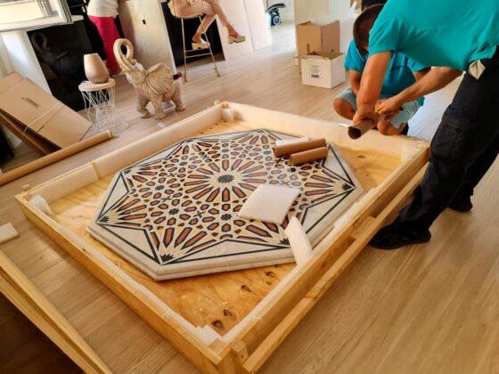 Desmontaje y embalaje mesa mármol Madrid - Mudanzas CrisMark